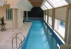 подъемное дно в частном бассейне